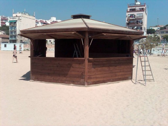 Kioscos de madera dupi prefabricats for Como hacer un kiosco de madera